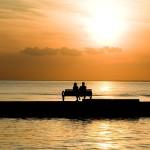 bench-1052066_640